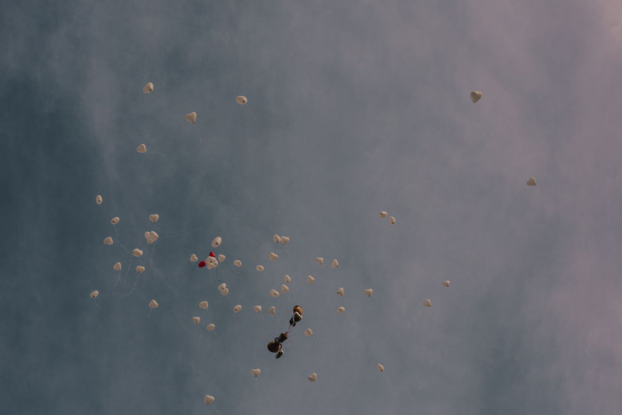 Engagement balloons released in the sky